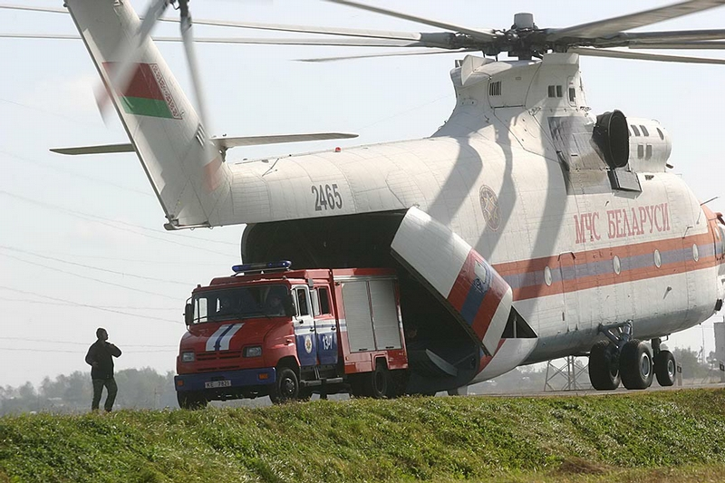 russian mil mi 26 with Plus Gros Helicoptere Du Monde on 235970 Mil Mi 26 Forums also Mil Mi 26 also Ate Mi 24 Super Hind Mk Iv O Crocodilo Sul Africano in addition Jordan Orders Four Russian Mi 26t2 Cargo Helicopters furthermore Mil Mi 26.