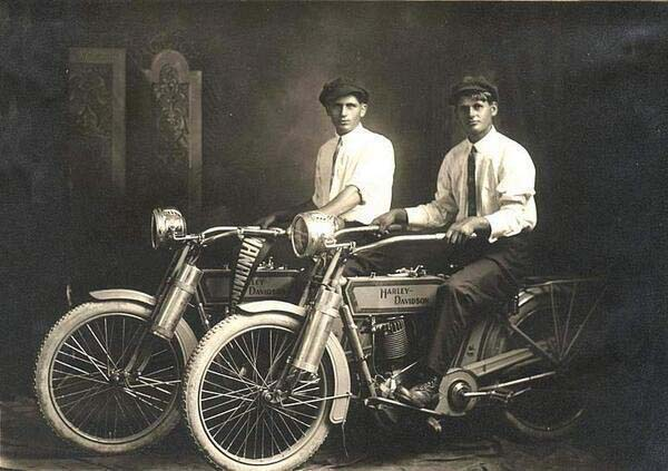 William Harley et Arthur Davidson, 1914.